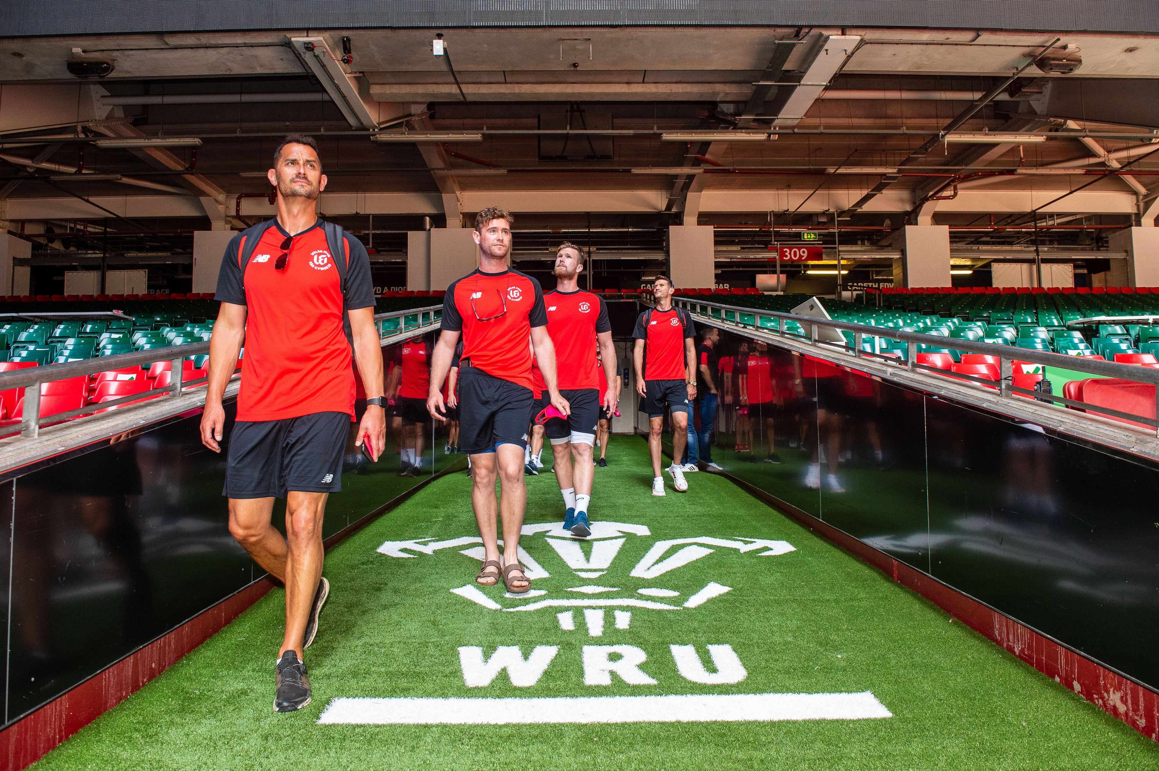 Welsh Fire visit the home of Welsh Rugby